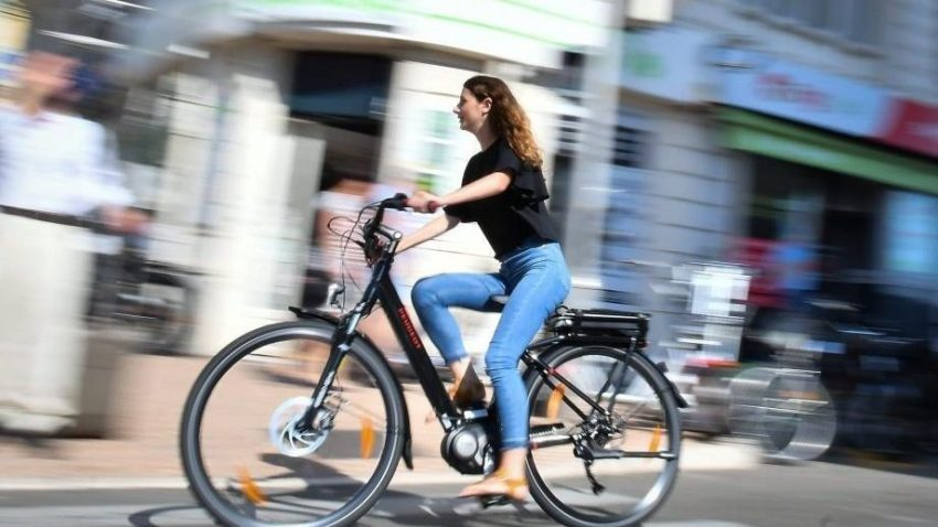 Cities Should Embrace Electric Bikes